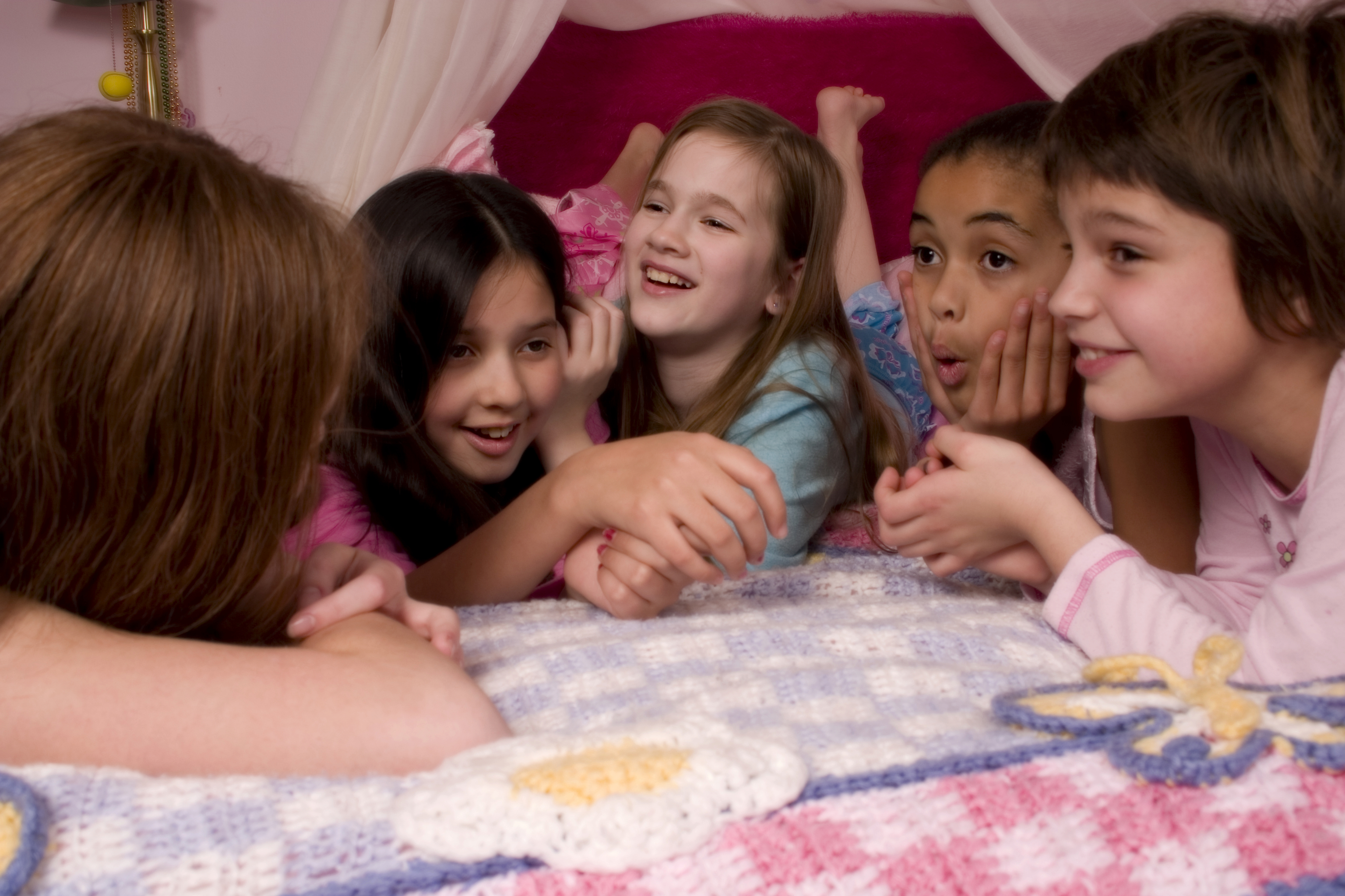 6 Things to Do on Your First Sleepover 4